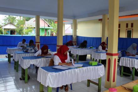 Ujian Tulis Penjaringan Perangkat Desa Gucialit pada Jabatan Kaur TU dan Umum